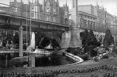 Nollendorfplatz U-Bahn, Berlin, circa 1905 showing fountain and park