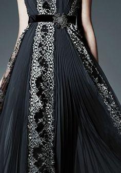 8ca63d17e1e923 Beautiful Fashion Details...Alberta Ferretti.