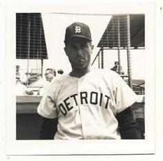 Bill Monbouquette Tigers Vintage 3.5X3.5 Snapshot Pic . $20.00. BILL MONBOUQUETTEDETROIT TIGERSVINTAGE 3.5X3.5 SNAPSHOT PHOTO1966-1967