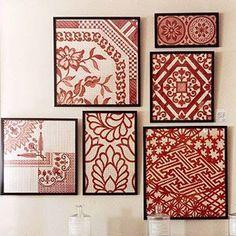 Telas llamativas que tengan atractivas formas impresas enmarcadas como cuadros