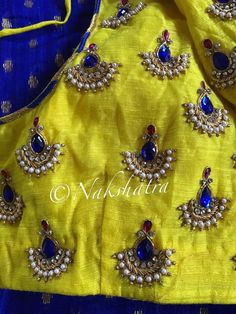 Jewellery design Wedding Saree Blouse Designs, Pattu Saree Blouse Designs, Simple Blouse Designs, Blouse Designs Silk, Mirror Work Blouse, Maggam Work Designs, Blouse Models, Kanzashi, Churidar