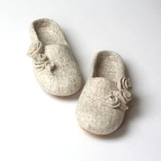 Women slippers felted wool slippers from natural by AgnesFelt
