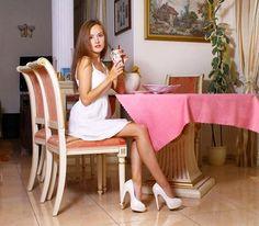 diet green iced tea sonic calories – Detox tea for weight loss Green Tea For Weight Loss, Weight Loss Tea, Best Weight Loss, Losing Weight, Ukraine Women, Ukraine Girls, Green Tea Diet, Sitting Poses, Girl Falling