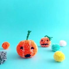 Pom Pom pumpkins... Or pompkins as I like to call them!! Free step by step guide on how to make these cute little Halloween pals. Link in bio.