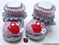 Die ersten Frühlingsboten:)    Die Babyschuhe sind garantiert handgestrickt. Sie sind mit sehr schöner Garnmischung gestrickt. Aber sie sehen nicht nu