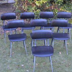 RESULT stoelen van Friso Kramer Dining Chairs, Van, Furniture, Design, Home Decor, Decoration Home, Room Decor, Dining Chair, Vans
