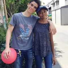 On Sunday morning, the world woke up to devastating news-the death of Disney actor Cameron Boyce. The talented, altruistic died in his sleep Dove Cameron, Cameron Boyce Parents, Celebrity Gossip, Celebrity News, Black Celebrities, Celebs, Victor Boyce, Jackson Instagram, Happy 16th Birthday