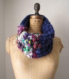 Bohemian knit cowl Purple.Burgundy. Green. por Happiknits en Etsy