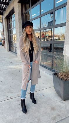 Cold Spring Outfit, Cold Day Outfits, Winter Outfits Women, Warm Outfits, Boho Outfits, Cold Weather Outfits Casual, Casual Outfits, City Outfits, Outfits With Hats