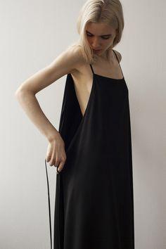 minimal black dress #style #fashion
