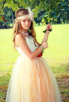 Junior Bridesmaid Tulle Dress with Lace Collar, tween flower girl, teen wedding dress, tween tutu, teen gown