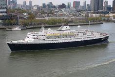 http://koopvaardij.blogspot.nl/2017/04/het-oudste-nog-varende-cruiseschip-ter.html    Het oudste nog varende cruiseschip ter wereld, het ms 'Astoria',   vertrek 19 april 2017  na een bezoek aan Rotterdam