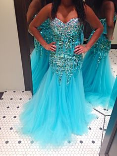 So Gorgeous! #promdress http://www.lunedress.com