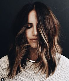 Super-Cool Haircut Ideas For Medium Length Hair - - Super-Cool Haircut Ideas For Medium Length Hair brunette balayage hair medium Super-coole Haarschnitt-Ideen für mittellanges Haar Bayalage, Balayage Brunette, Brunette Hair, Balayage Hair, Honey Balayage, Blonde Mode, Color Del Pelo, Hair Day, New Hair