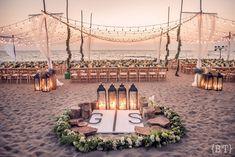 Four Fun and Beautiful Beach Wedding Reception Decor Ideas – Bridezilla Flowers Beach Wedding Reception, Beach Wedding Flowers, Wedding Bouquets, Beach Weddings, Wedding Receptions, Beach Wedding Themes, Wedding On The Beach, Wedding Colors, Wedding Ceremony