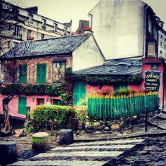 Hidden Paris Walking Tours: Montmartre tour