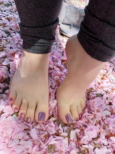 Scroll for images Cute Toe Nails, Pretty Toe Nails, Cute Toes, Pretty Toes, Foot Pics, Foot Pictures, Feet Soles, Women's Feet, Pies Sexy