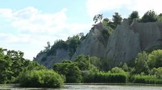 Scarborough Bluffs in Toronto, Canada. Part of the escarpment along the north shore of Lake Ontario. Scarborough Bluffs, Free Stock Footage, Toronto Canada, North Shore, Video Footage, Stock Video, Ontario, Mount Rushmore, Rocks
