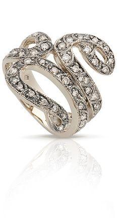 Anel de Ouro Nobre 18K polido com diamantes cognac e acabamento escurecido na área dos diamantes
