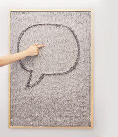 Dedo Message Board. Gonçalo Campos ha realizzato Dedo Message Board, una lavagna  in tessuto sulla quale scrivere semplicemente con le dita. Via creativitea.org