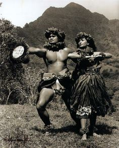 ~~~~I love Sacred Hula, Forever in my Heart! Hawaiian Homes, Hawaiian Art, Hawaii Hula, Aloha Hawaii, Hawaiian Dancers, Hula Dancers, Shall We Dance, Hula Girl, Hawaiian Islands