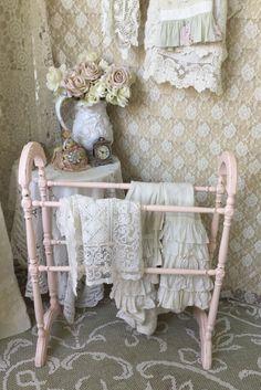 RESERVED Shabby Quilt Rack, Linen Rack, Blanket Rack, Towel Rack, Pink Decor…