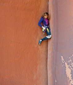 Climbing is all of the awesome! Pamela Shanti Pack reaches for the biggest cam she can find. Climbing Girl, Sport Climbing, Ice Climbing, Mountain Climbing, Snowboarding, Skiing, Trekking, Indian Creek, Escalade
