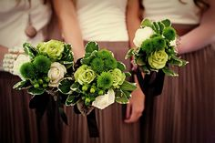 green bridesmaid bouquets | Elegant Images