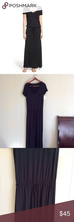 Small Caslon NWT jersey v neck maxi black sleeve NWT black v neck jersey knit black maxi with drawstring waist and chest pocket. Size small Caslon Dresses