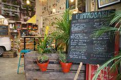 Venez découvrir l'improbable Café sur le blog! https://lescarnetsdelauralou.wordpress.com/2015/06/01/coup-de-coeur-pour-les-pistolets-de-limprobable/