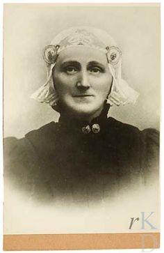 Portret van Boukje Tjamkes de Witte (1853-1912)  Den Haag, RKD (collectie Iconografisch Bureau) 1920-1930 #Friesland