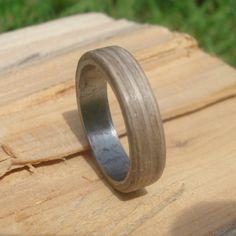 Bentwood Ring Edelstahl Graueiche von UndiscoveredArts auf Etsy
