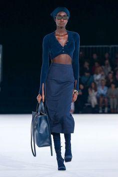 Jacquemus Fall Winter Fashion Show Live Fashion, Fashion 2020, Runway Fashion, Fashion Show, Fashion Looks, Fashion Outfits, Fashion Design, Fashion Men, Latest Fashion