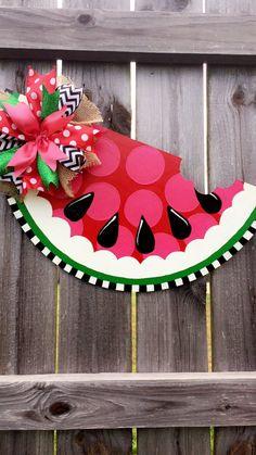 Buttons By Connie Hobbs On Ideas N Craft Door Hanger Wooden Door Four-leaf clover-St. Patrick & s day-door hangers Yay you are here door hanger - funny sign for the front door - Wooden Door Signs, Wooden Doors, Wooden Crafts, Diy And Crafts, Watermelon Crafts, Watermelon Costume, Door Hanger Template, Burlap Door Hangers, Pintura Country