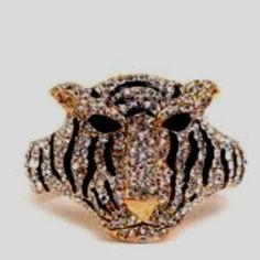Stunning Tiger Ring.