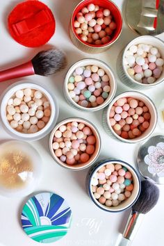 Guide to guerlain meteorites perles collection Luxury Beauty, My Beauty, Beauty Makeup, Face Makeup, Beauty Tips, Hourglass Ambient Lighting Powder, Make Up Your Mind, Make Me Up, Makeup Products