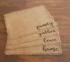 DIY Burlap Placemats - The Wood Grain CottageDIY Burlap Placemats by The Wood Grain Cottage * instead of words, make them Montessori style! Farmhouse Placemats, Kitchen Placemats, Farmhouse Table Runners, Table Runner And Placemats, Burlap Table Runners, Dining Table, Burlap Kitchen, Rustic Table, Thanksgiving Placemats