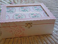 Girly box :) | The world through my eyes Girly, Diy Jewelry, Jewelry Box, Decoupage, Stencils, Decorative Boxes, Shabby Chic, Rose Lace, Scrapbook