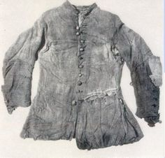 ART/CULTURE This jacket is made from undyed woolen 2/2 twill, woven from Z spun yarn and sewn with 2 ply yarn. The buttons were made from similar woolen material and had equivalent button holes. Clothing of the rank and file sailors was quite limited, and often included only two shirts and two pairs of trousers, a long and a short jacket, one pair of shoes, and a sea cape
