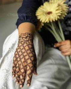 Pretty Henna Designs, Mehndi Designs For Kids, Floral Henna Designs, Henna Tattoo Designs Simple, Mehndi Designs For Beginners, Mehndi Design Photos, Unique Mehndi Designs, Wedding Mehndi Designs, Mehndi Designs For Fingers