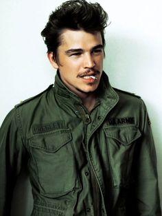 Josh Hartnett in a military jacket