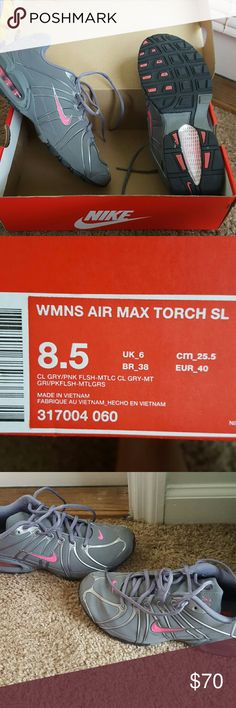 Nike Max Air Like new nike max air sneakers in box Nike Shoes Athletic Shoes