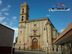 TURISMO EN CHIHUAHUA. La bella Parroquia de San José, localizada en Hidalgo del Parral Chihuahua, fue construida en el siglo XVII y es uno de los edificios más emblemáticos de la ciudad. En la facha del templo, se localiza un nicho con la imagen del Santo Patrono de la Iglesia, sosteniendo a un niño. Le invitamos a que conozca esta bella parroquia. www.turismoenchihuahua.com #visitachihuahua