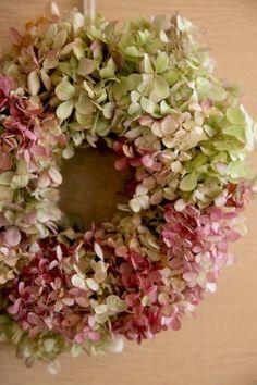 アナベルリース/クリスマス/リースhttp://www.hanadouraku.com/flower/christmas/wreath