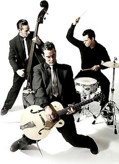 The Peacocks - Switzerland has Rockabilly! Psychobilly Bands, Rockabilly Bands, Rockabilly Rules, Rockabilly Fashion, Rock And Roll, Rock N Roll Music, Bettie Page, Hard Rock, Vincent Van Gogh Ear