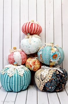 Fall Fabric and Lace Pumpkins TUTORIAL http://www.flamingotoes.com/2014/09/diy-striped-fabric-pumpkins/