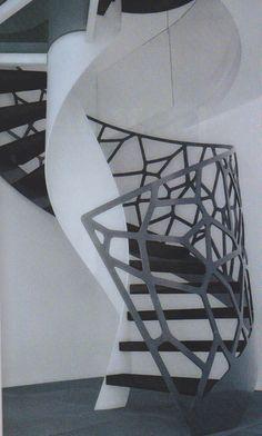 """Eestairs spécialiste escalier design sur mesure. Modèle """"Cels"""". Balustrade basé sur diagramme de Voronoi"""