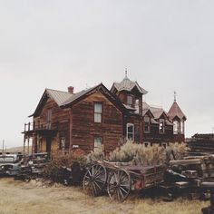 House in Nevada City, Montana (Photo by kevinruss)