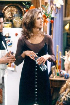 34 Rachel Green Fashion Moments You Forgot You Were Obsessed with on 'Friends' This slip dress over a long-sleeved shirt. See more Rachel Green fashion moments you forgot you were obsessed with here! Estilo Rachel Green, Rachel Green Outfits, Mode Rachel Green, Rachel Green Style, Rachel Green Friends, Rachel Green Fashion, Rachel From Friends Outfits, Rachel Green Hair, Monica Friends