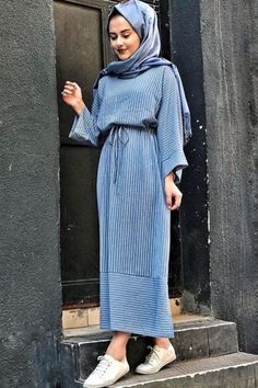 0fd0ac900 بالصور: أفكار موديلات #فساتين محجبات كاجوال لتتألقي هذا الموسم #حجاب #Hijab  Casual